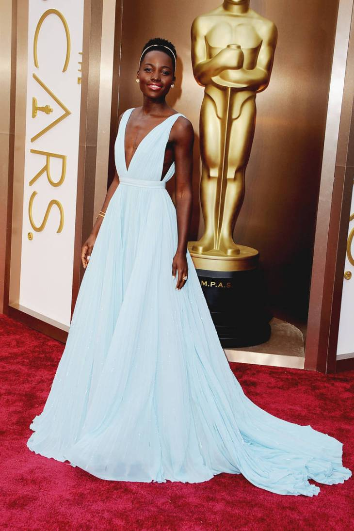 elle-2014-oscars-red-carpet-looks-lupita-nyongo-v-xln
