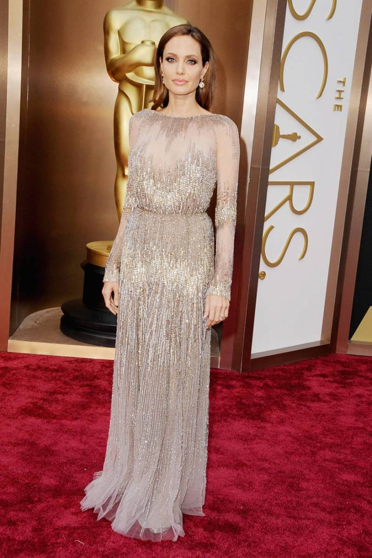 elle-oscars-2014-red-carpet-looks-angelina-jolie-v-xln