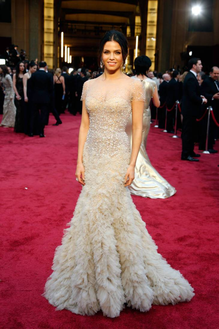 elle-oscars-2014-red-carpet-looks-jena-dewan-tatum-v-xln