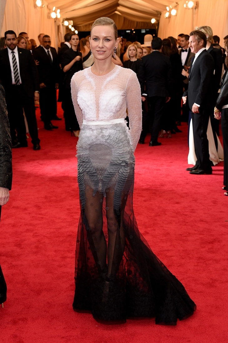 Naomi Watts in Givenchy Couture dress