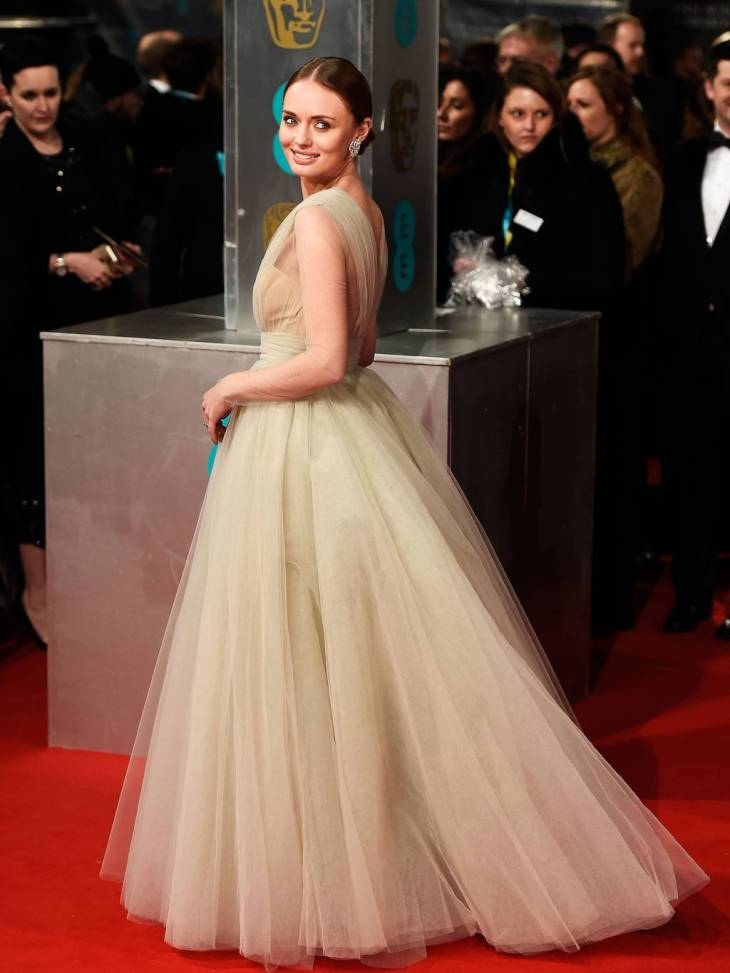 LAURA HADDOCK IN ASHLII COUTUR